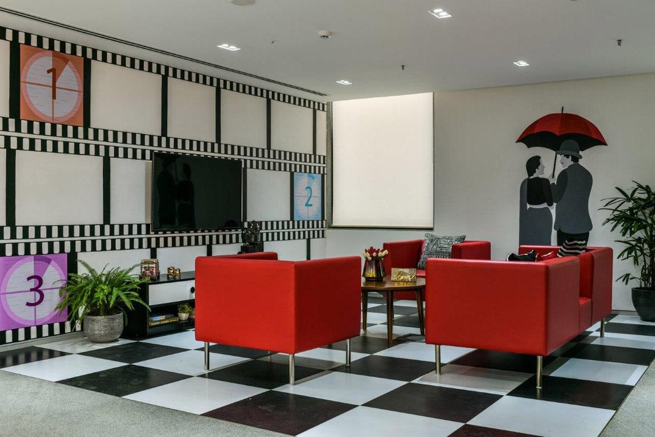 Office Building Movie Theatre Lobby Mumbai