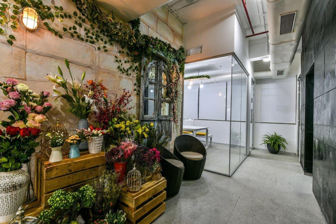 Office Building Mumbai Florist Lobby 2nd Floor